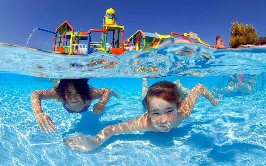Book your aquatic activities with the Hotel Saratoga in Palma