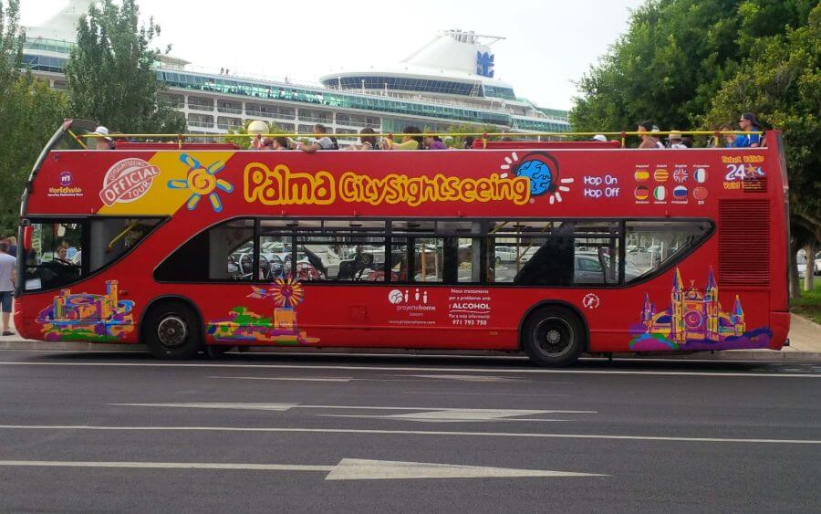 Book the tour with the Palma tourist bus at the Hotel saratoga