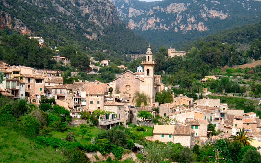 tourism in Vallemossa during your holidays at the Hotel Saratoga in Palma de Mallorca