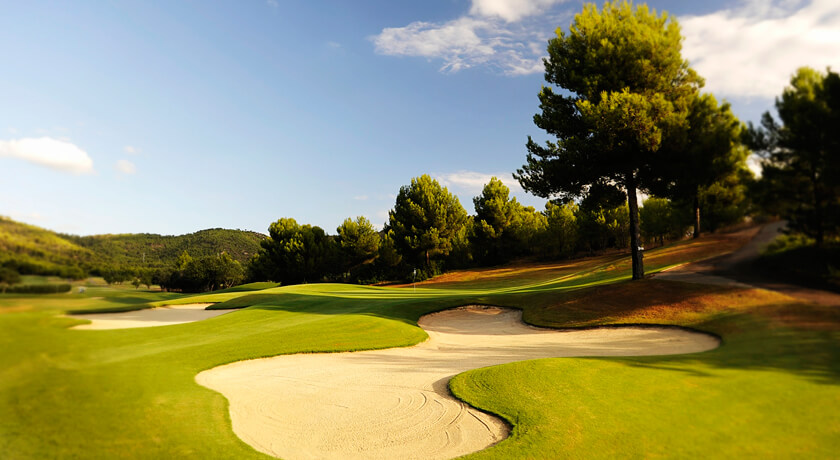 discover the Son Quint golf course during your stay at the Hotel Saratoga in Palma
