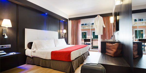 holidays in the superior double room of the hotel saratoga in palma de mallorca