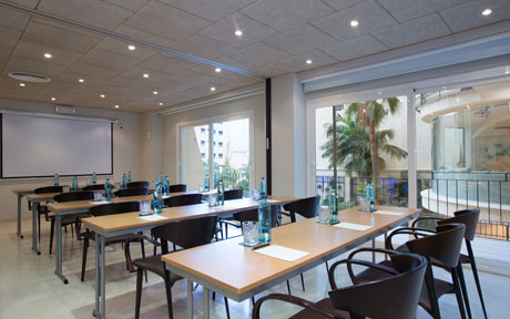 large ibiza room for meetings and conventions at the hotel saratoga in palma