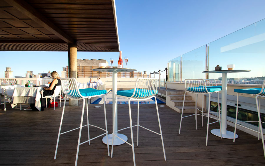 skybar in the roof top of the hotel saratoga in Palma