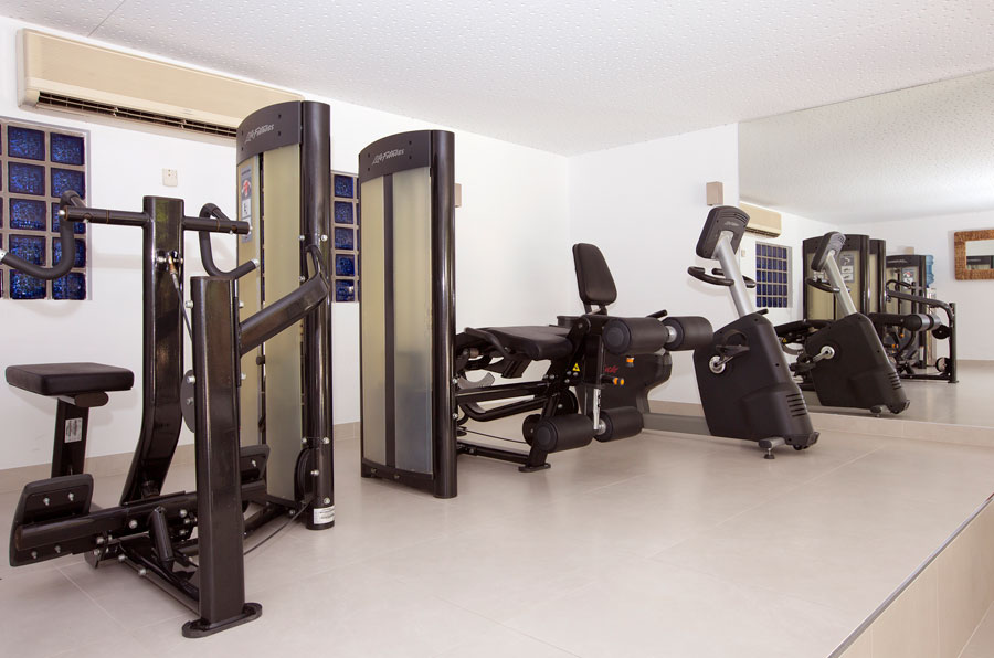 fitness and sport in the gym of the hotel saratoga in Palma de Mallorca